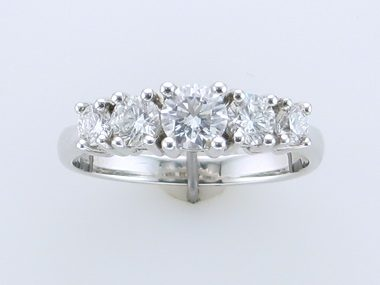 1.02ctw 5 Stone Diamond Ring