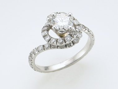 .75 Ct Engagement Rg With .84ctw