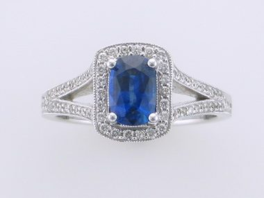 18kt Sapphire Ring