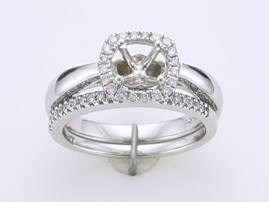 Engagment Ring & Matching Band