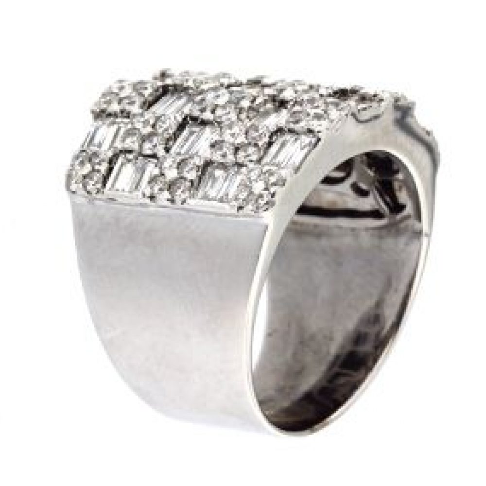 2.62 ct Fancy Diamond Ring