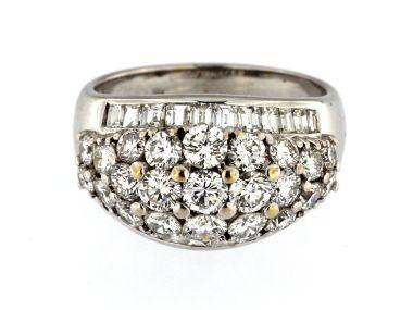 18kt Domed Diamond Ring