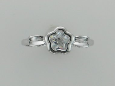 White Bflower & Leaf Silver Ring