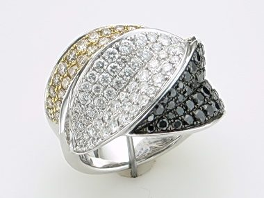 18kt Blk Wht Yellow Ring 3.15 Ctw