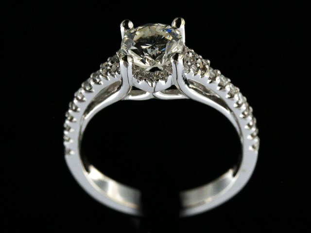 1.36ctw Diamond Engagement Ring