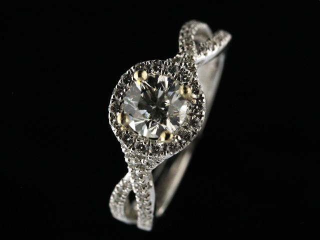 18KT 0.72 ct Engagement Ring