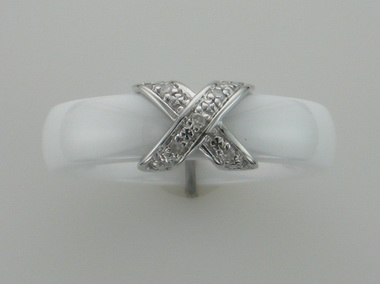 9kw White Ceramic & Diamond Ring