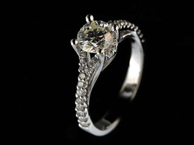 1.36ctw Diamond Engagement Ring