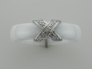 9kw White Ceramic & Diamond Ring