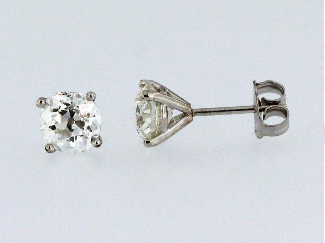 1.83 ctw Diamond Studs