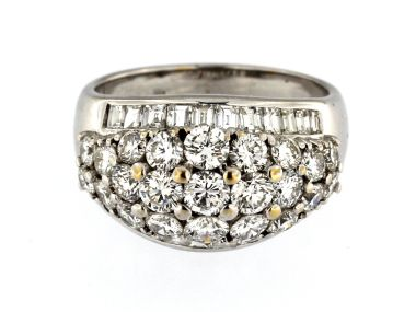 18kt Domed Diamond Ring
