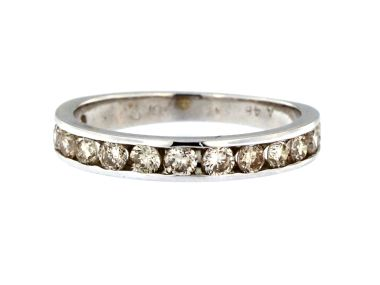 0.75 ctw Diamond Band