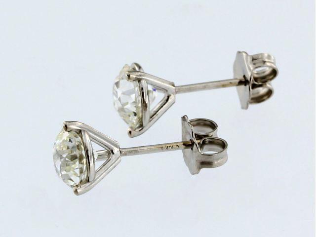 1.78 ctw Diamond Studs