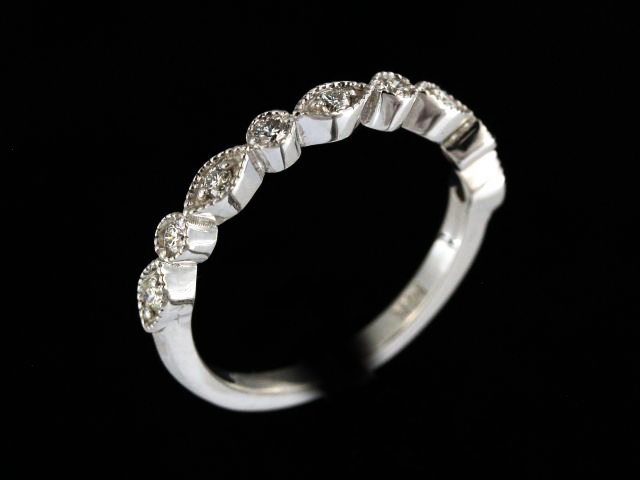 0.25 ctw Fancy Diamond Band
