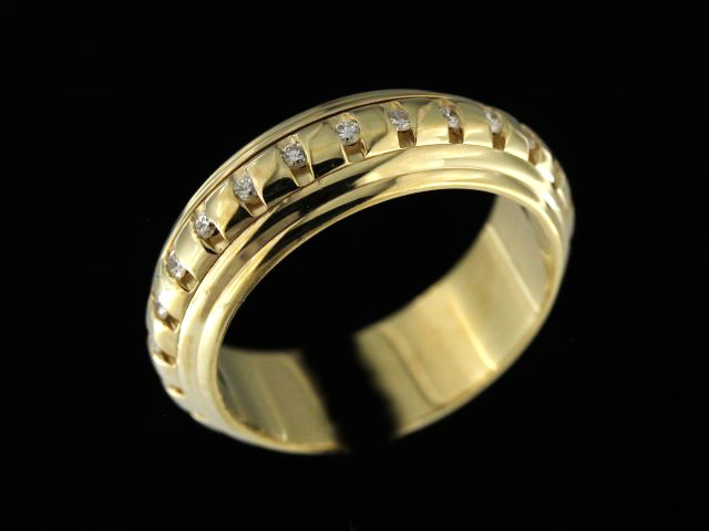 14ky Rotating Diamond Set Band