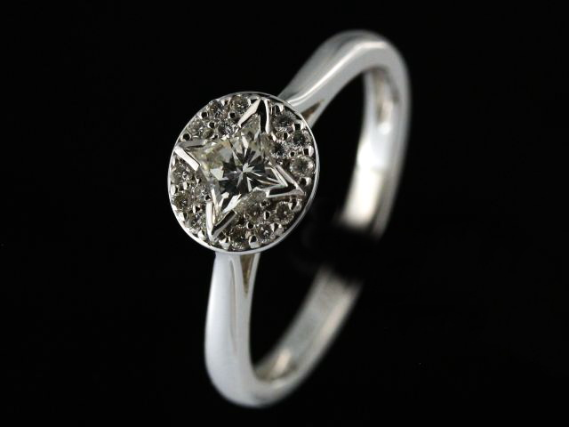 0.63 ctw Engagement Ring