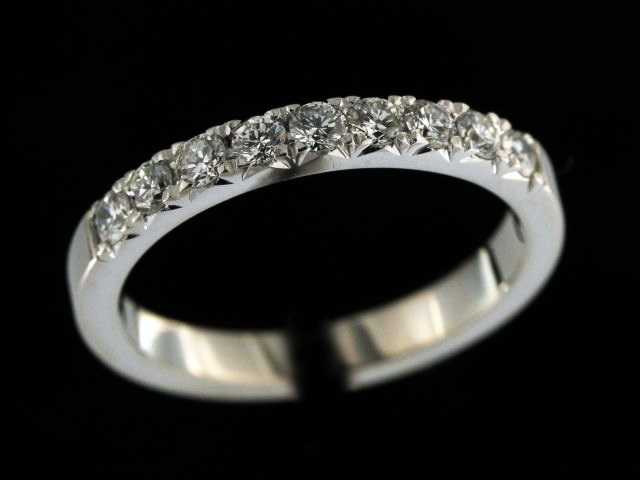 0.45 ctw Diamond Band