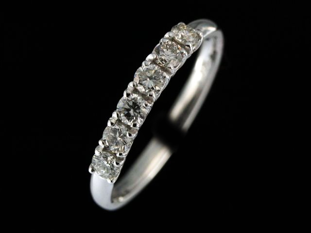 0.42 ctw Diamond Band