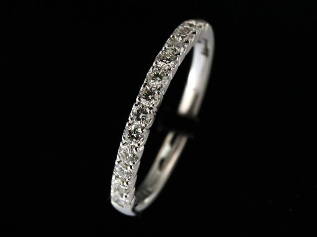 0.38 ctw Diamond Band
