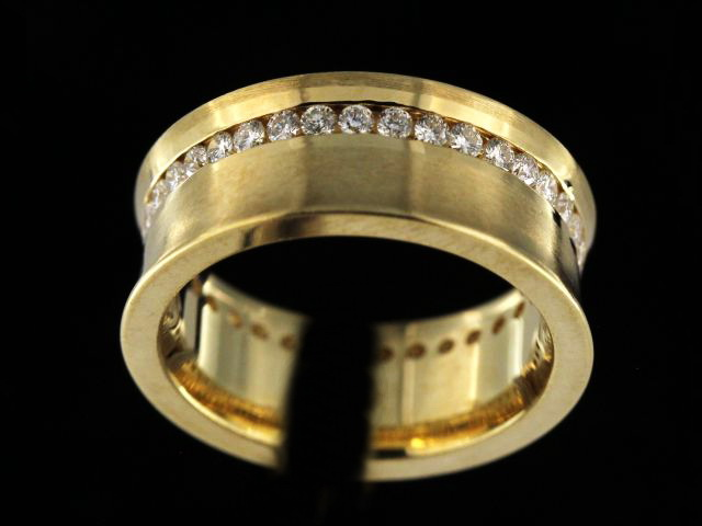 14ky Concave Diamond Eternity Band