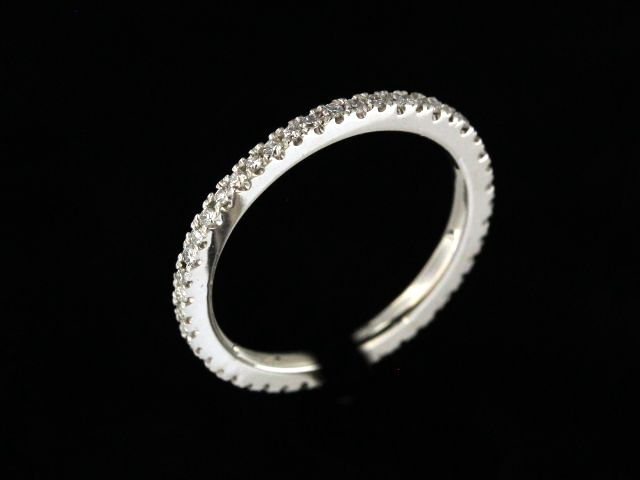 0.30 ctw Diamond Eternity Band