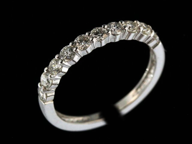 0.60 ctw Diamond Band