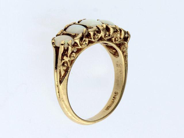9Kt Opal Ring