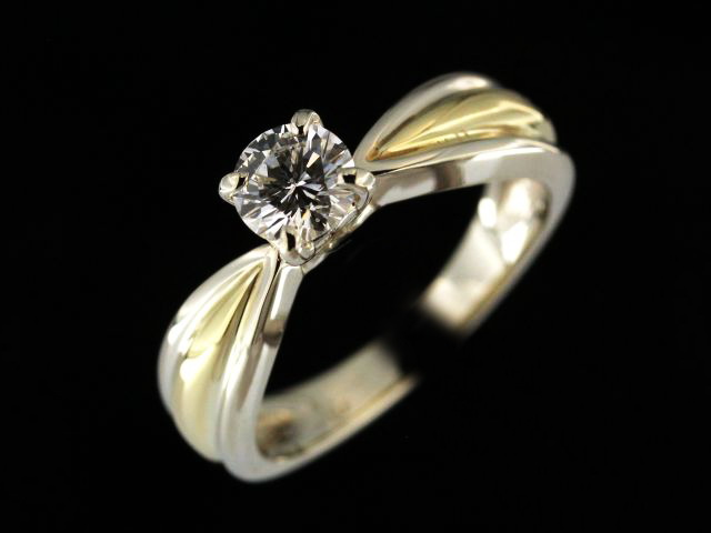18ky 0.53 ct Diamond Engagement Ring