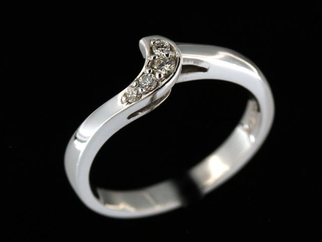 14kw .08ctw Interlocking Wedding Band