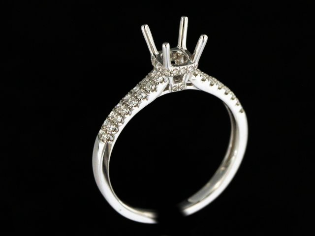 18KT Diamond Engagement Mount