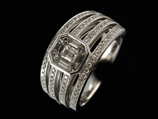 .92ctw Emerald Pavee Ring