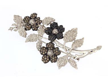 18KT Diamond Floral Brooch