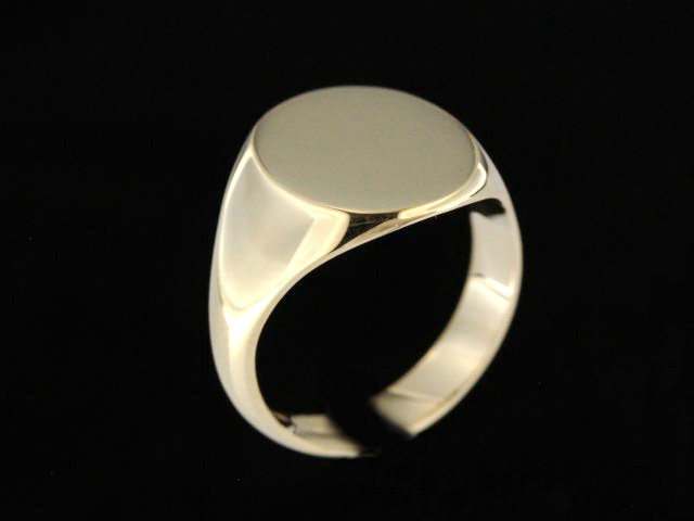 Medium Signet Ring
