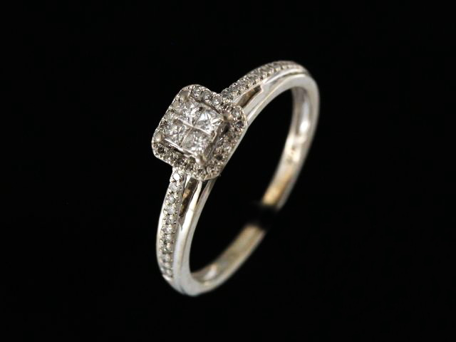 0.33 ctw Engagment Ring