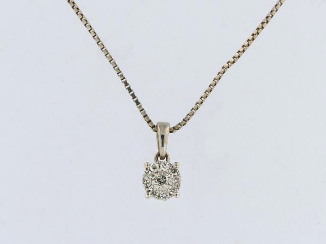 0.15 ctw Diamond Necklace