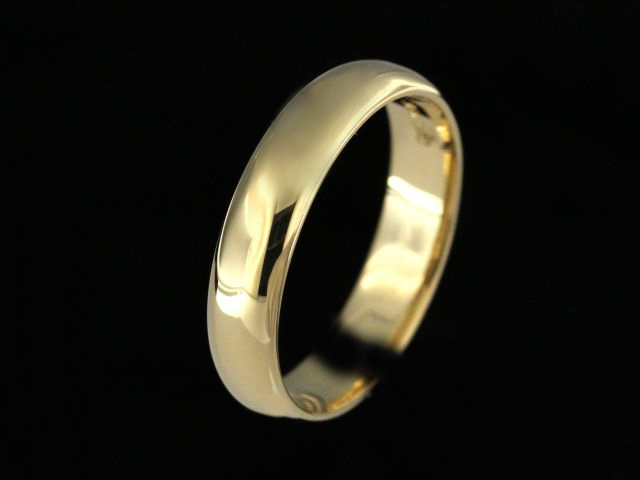 18KY Wedding Band