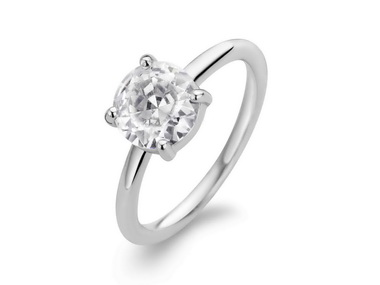 Cubic Solitaire Ring