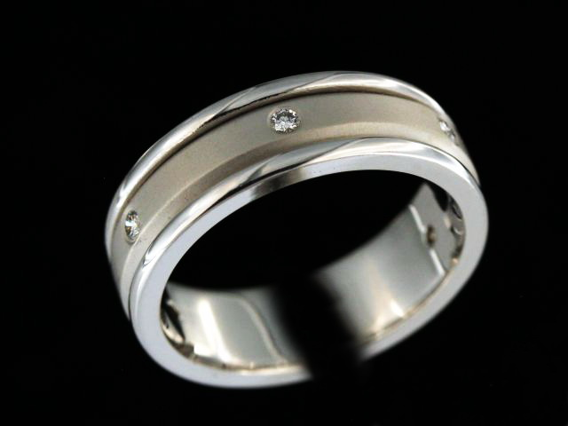 14kw Diamond Wedding Band