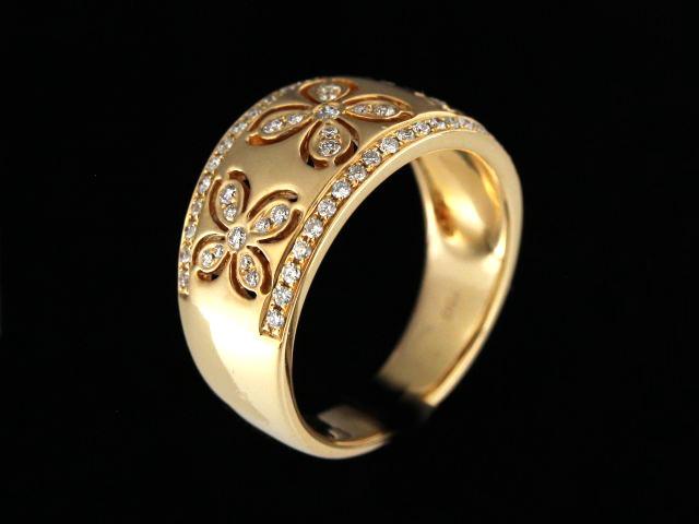 18kt Rose Gold Diamond Flowers Ring