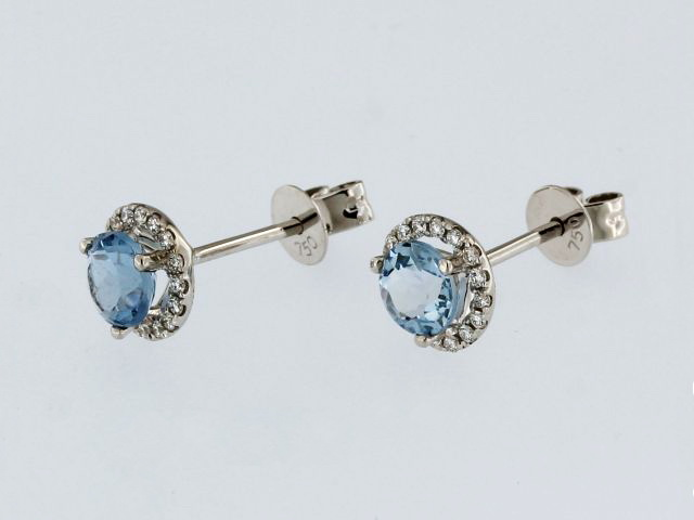 18kt Aquamarine Earrings