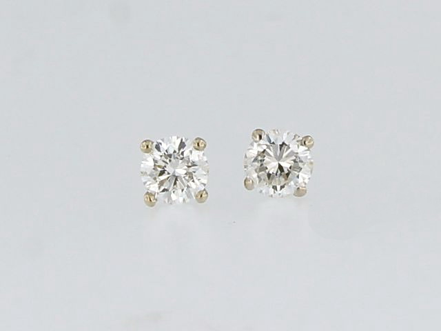 0.45 ctw  Diamond Studs
