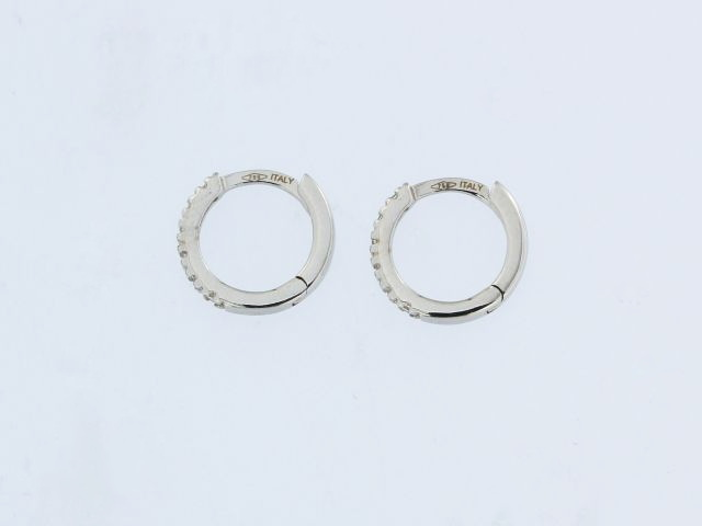 18KT  Hoops with Cubics