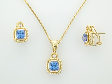 Tanzanite Pendant & Earrings