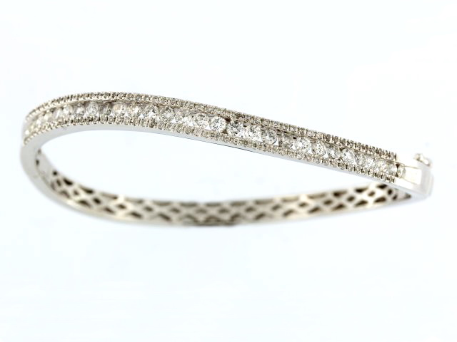 2.00 ctw Diamond Bangle