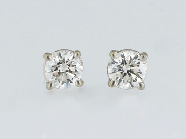 0.66 ctw Diamond Studs