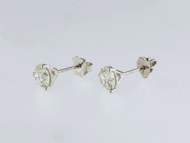 2.01 ct Diamond Studs