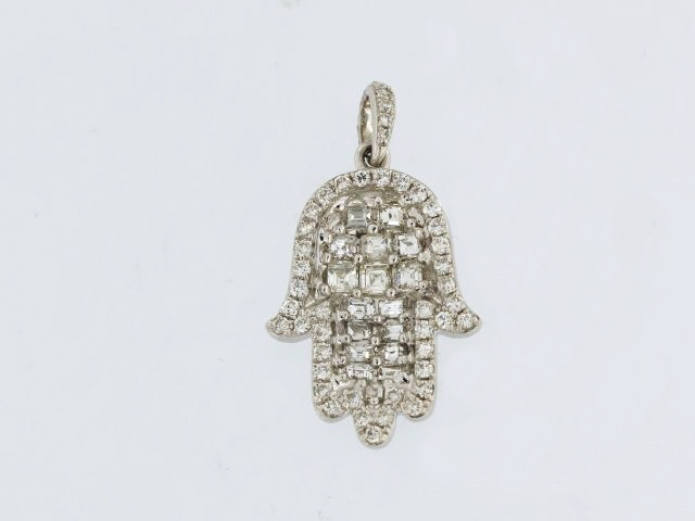 18KT Hamsa Pendant with Diamonds