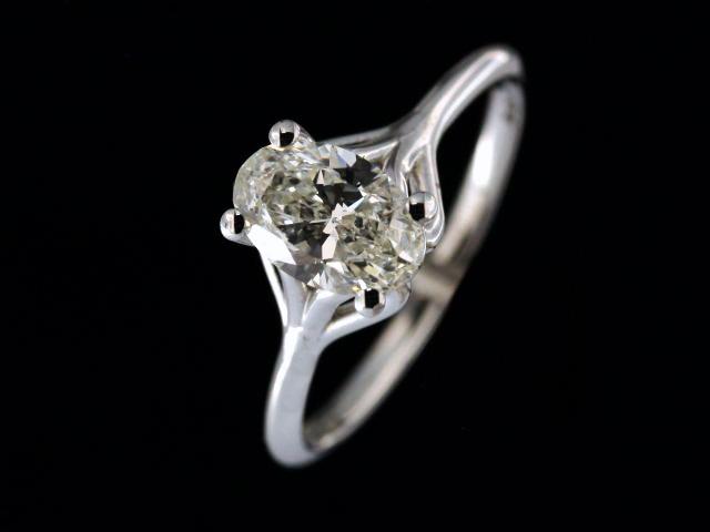1.01 ct Oval Diamond Ring