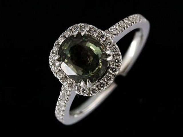 Alexandrite & Diamond Ring